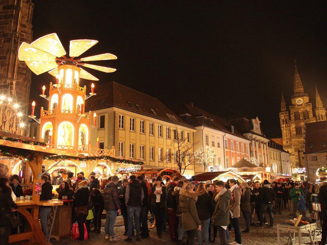 Gewinne 3x2 Schlemmerpakete auf dem Ansbacher Weihnachtsmarkt. Foto: GuniWeb moderne Medien GmbH