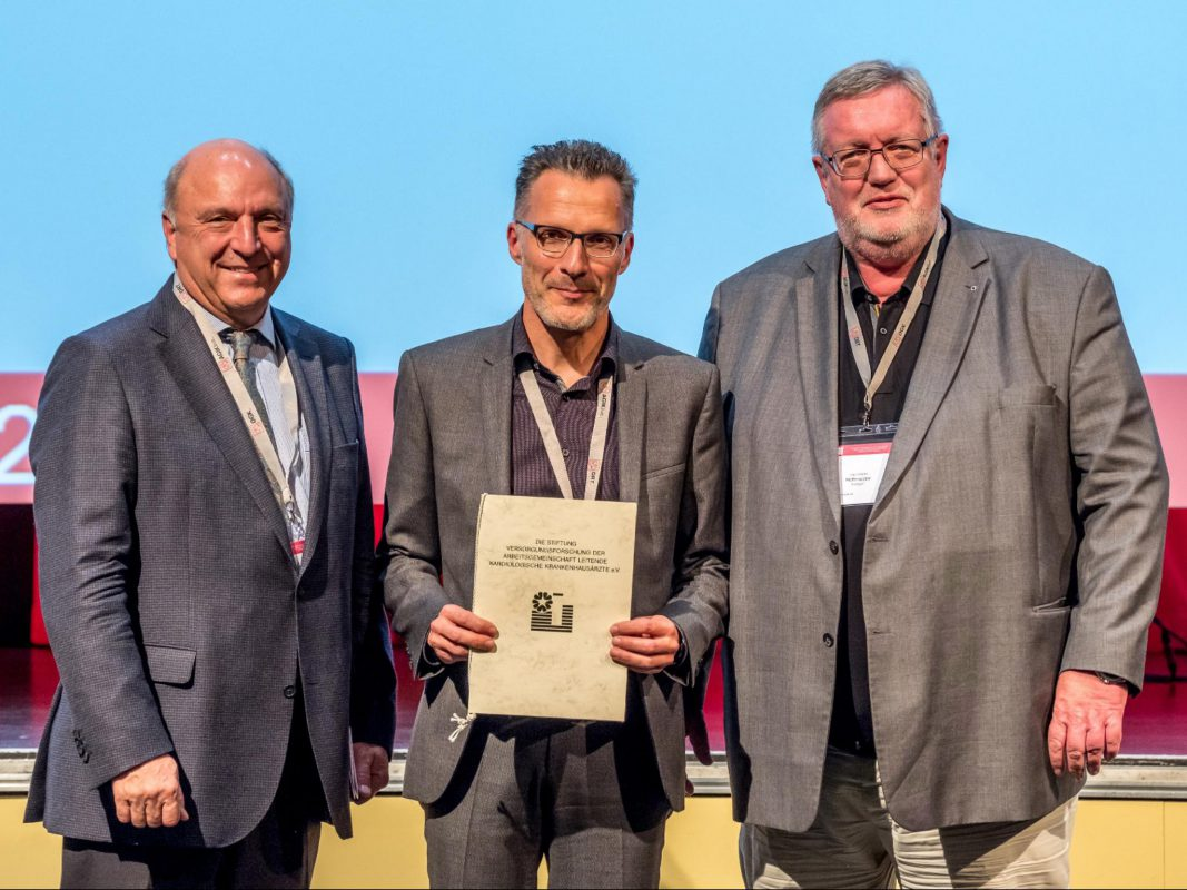 Preisverleihung während der Eröffnungsveranstaltung der Herbsttagung in Berlin: Foto: DGK / Thomas Hauss