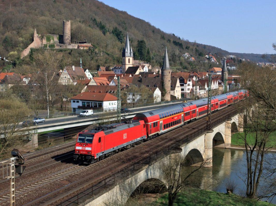 Main-Spessart-Express bei Gemünden. Foto: DB Regio
