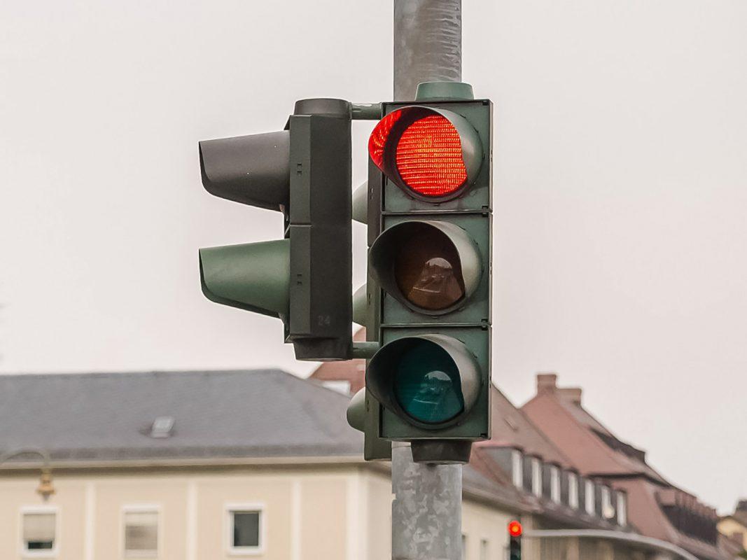 Rote Ampel. Symbolfoto: Pascal Höfig