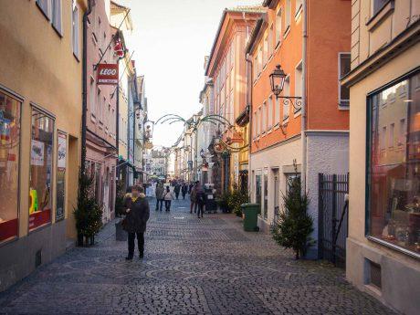 Einkaufen in der Innenstadt - Foto: Barbara Duna.