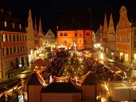 Der Weihnachtsmarkt in Weißenburg in wunderschöner Kulisse. Foto: Stadt Weißenburg