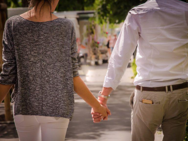 Sie sucht ihn zum verlieben