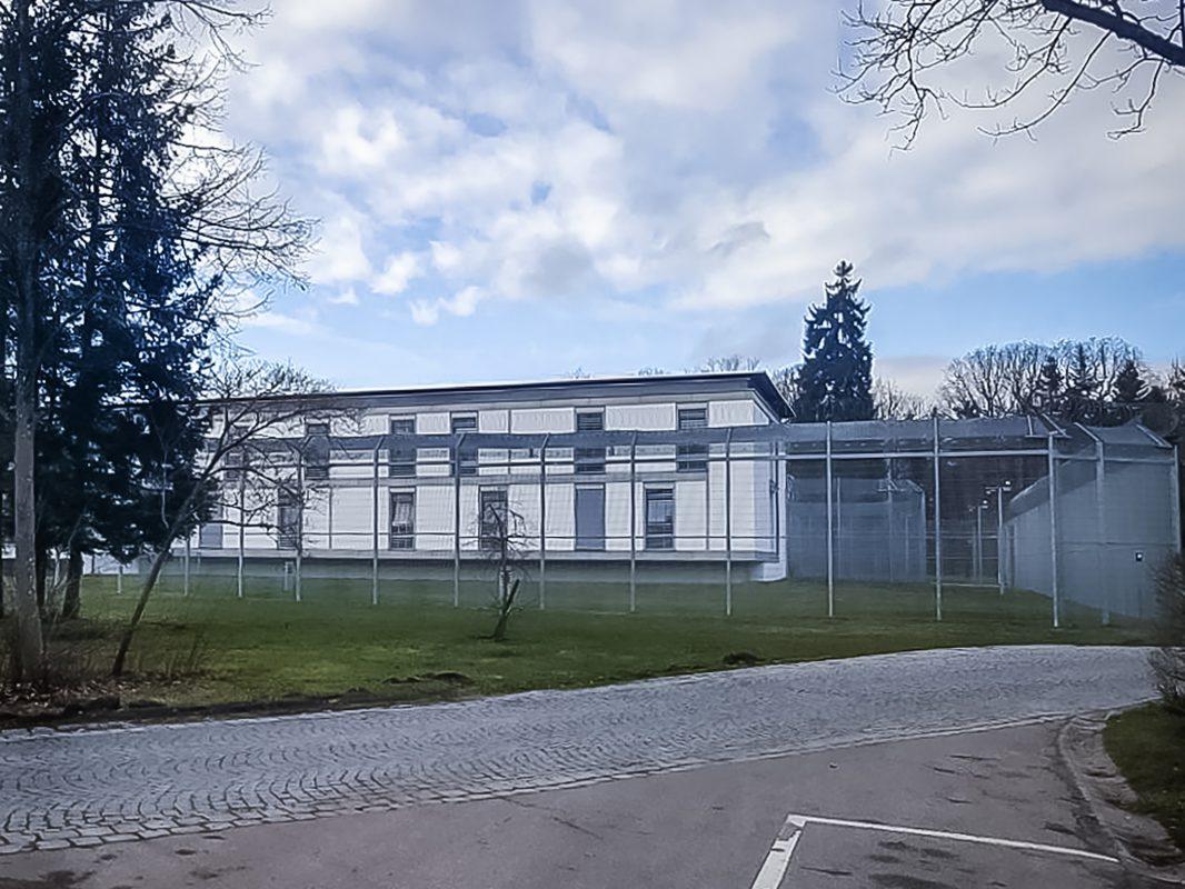 Die Klinik für Forensische Psychiatrie der Bezirkskliniken Mittelfranken in Ansbach. Foto: Armin Höfig
