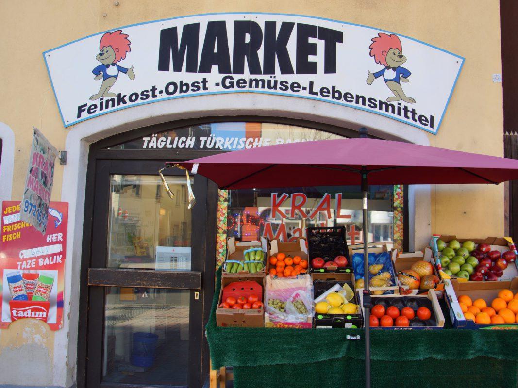 Der Kral Market in der Maximilianstraße. Foto: Barbara Duna