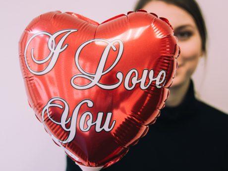 Valentinstag. Symbolfoto: Anja Reichert / Barbara Dunna