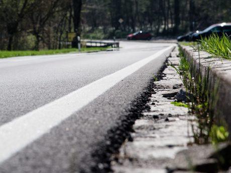 Symbolbild einer Landstraße. Foto: Pascal Höfig