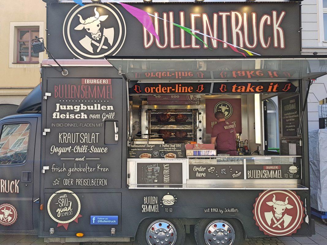 Für einige Besucher waren die Preise nicht angemessen. Foto: AttilaStand mit vielen süßen Köstlichkeiten aus den USA. Foto: Attila-Salih Yildi.