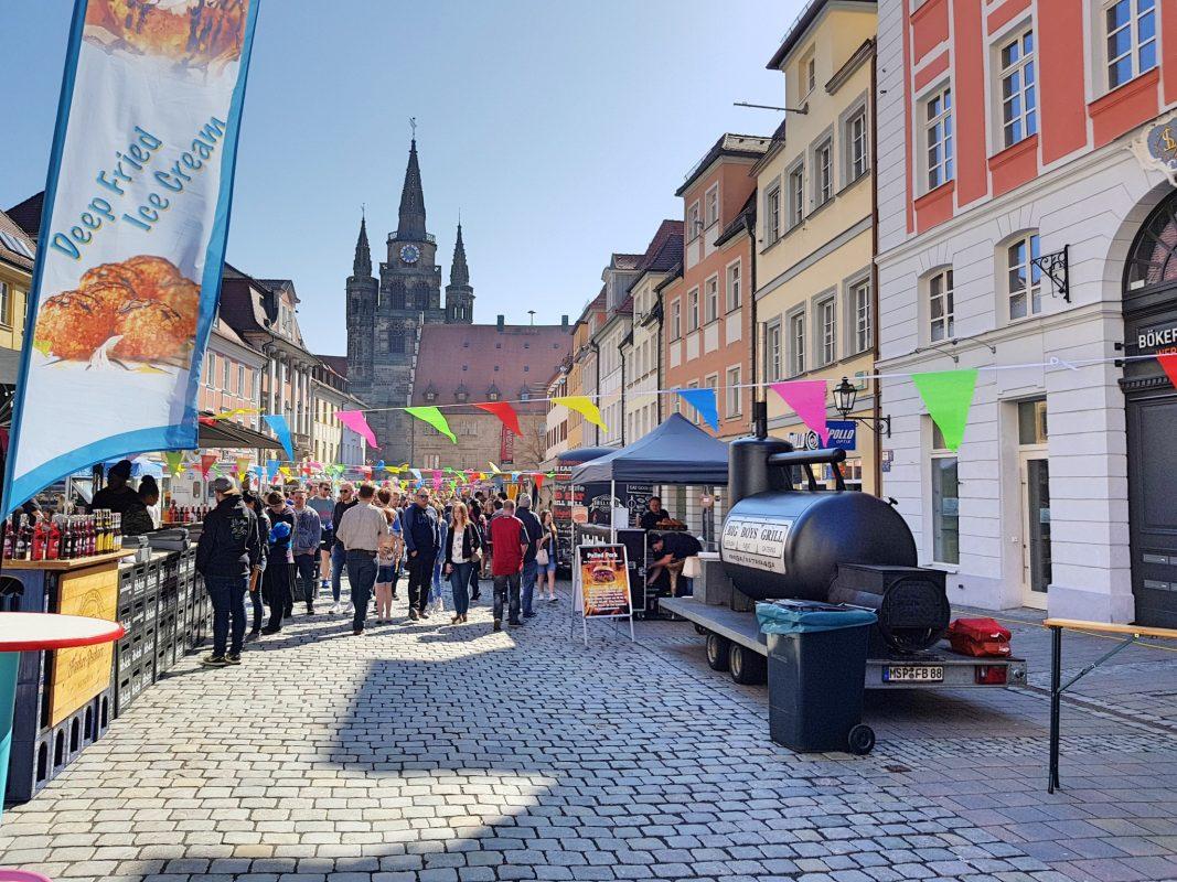 Guter Besuch beim 2. Street Food Markt. Foto: Attila-Salih Yildi.