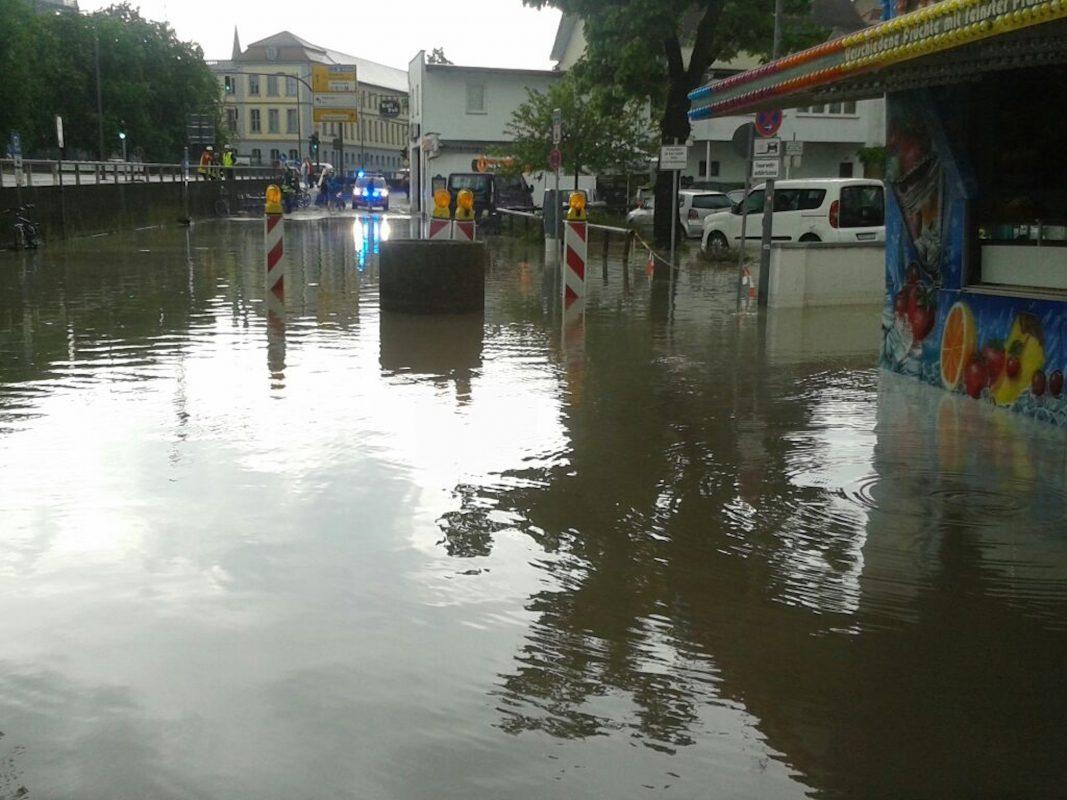 Bereits am Vatertag kam es in Stadt und Landkreis Ansbach zu Überschwemmungen nach starken Unwettern. Foto: Eliott Porzner