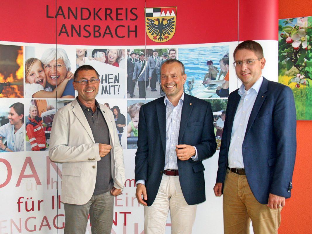 Lions Club Ansbach spendet 5.000 Euro für junge Menschen und Familien. Foto: Landkreis Ansbach.