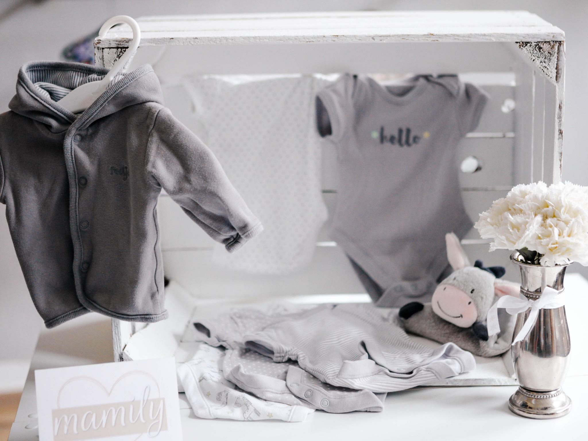Auch Second Hand Mode kann bei Mamily gekauft werden. Foto: Tanja Dietz
