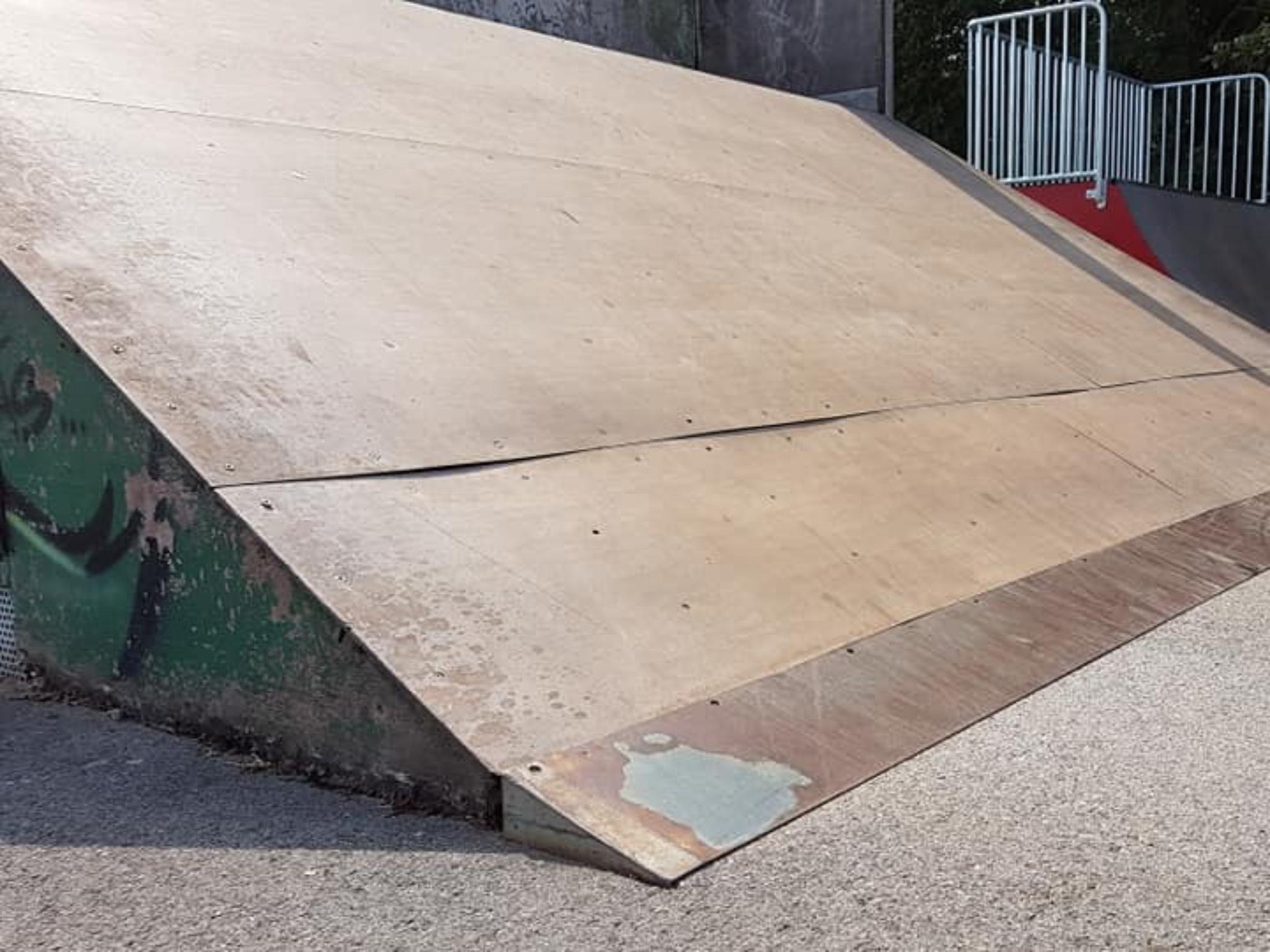Modernisierung ist beim Skaterplatz überfällig. Foto: Stadtratsfraktion der Offenen Linken Ansbach
