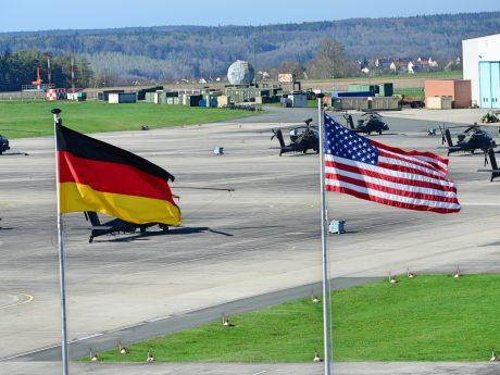 Die 12. Heeresfliegerbrigade (12th CAB) in Katterbach. Foto: Charles Rosemond (U.S. Army)