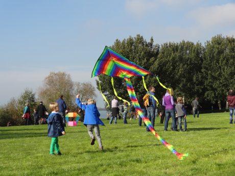 Spaß garantiert. Das Drachenfest am Altmühlsee findet wieder statt. Foto: Evi Kraft