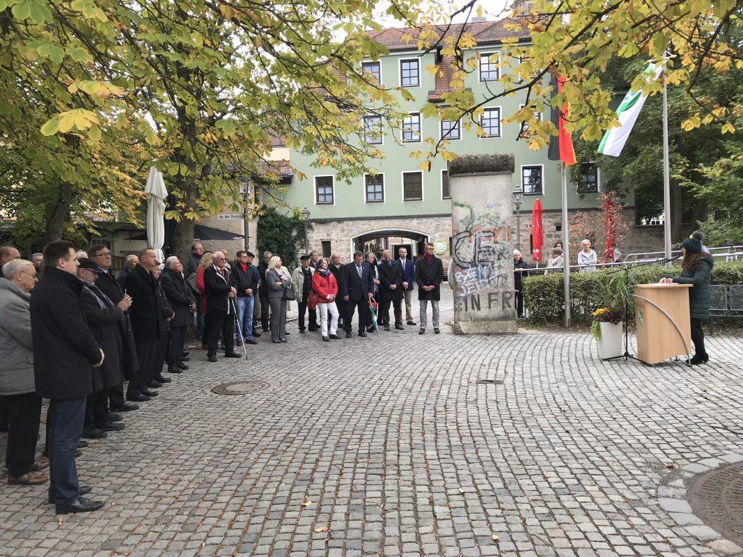 OB Carda Seidel spricht bei der Gedenkfeier zum Tag der Deutschen Einheit. Foto: Nico Jahnel