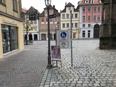 Radfahren in der Fußgängerzone. Foto: Nico Jahnel