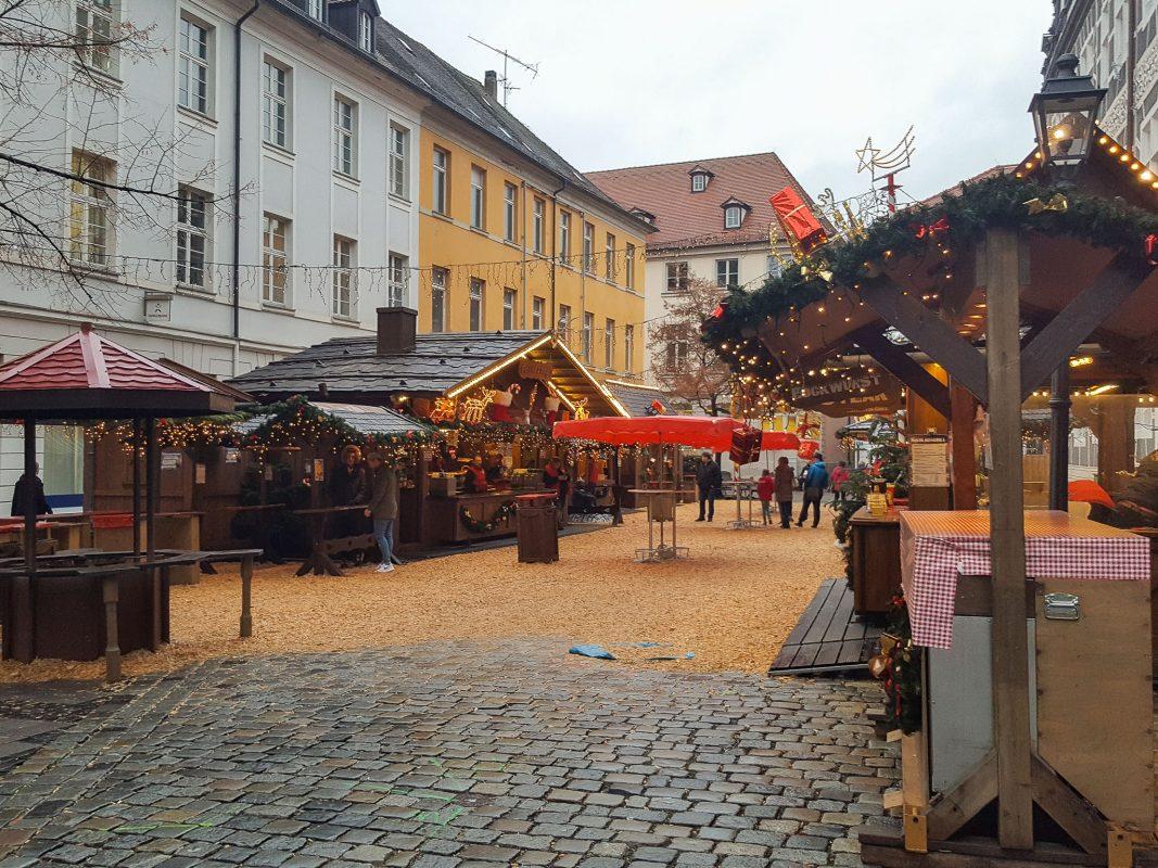 Stände Weihnachtsmarkt.Essen Trinken Handwerk Die Weihnachtsmarkt Stände Im Vergleich