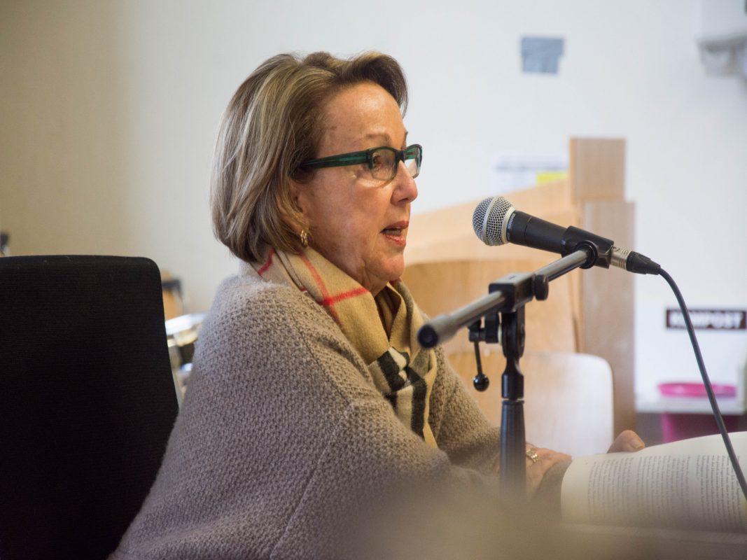 Die Schülerinnen und Schüler des Löhe Campus stellten Eva Umlauf viele Fragen. Foto: Diakonie Neuendettelsau/Amanda Müller