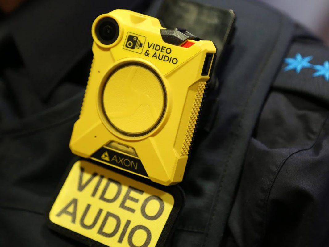 Innenminister Joachim Herrmann hat den bayernweiten Einsatz von Body-Cams bei der Bayerischen Polizei freigeben. Foto: Redaktion Bayerns Polizei