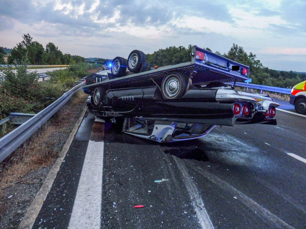 Der amerikanische Oldtimer wurde erst kurz vor dem Unfall gekauft. Foto: Polizei
