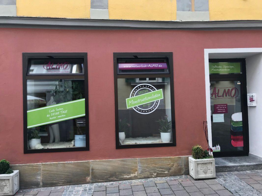 """Seit dem 23. Juni findet man den Menstruationsladen """"ALMO"""" in der Kannenstraße 16. Foto: Nico Jahnel"""