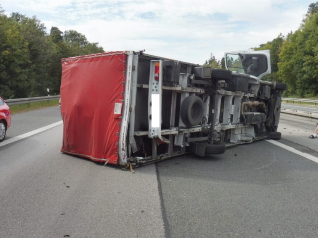 Auf der BAB 6 in Richtung Nürnberg ereignete sich ein Unfall. Foto: Polizeifoto VPI Ansbach