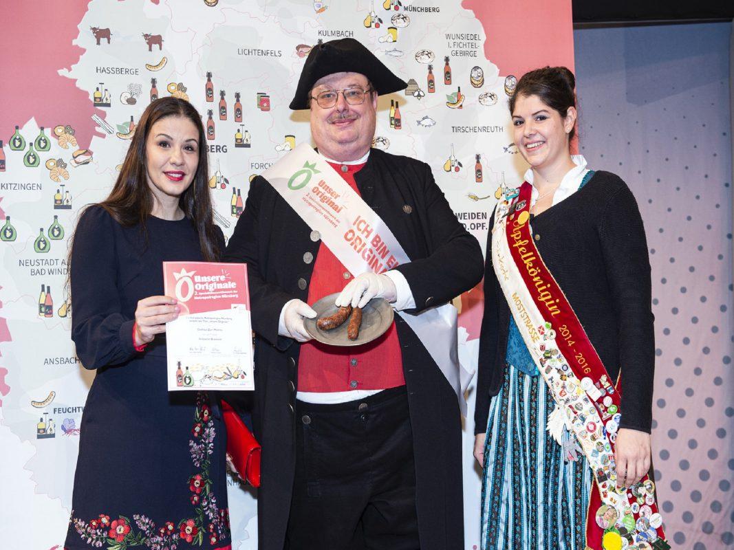 Stadtführer Holger Lang bei der Prämierung der Ansbacher Bratwurst Foto: Stadt Ansbach