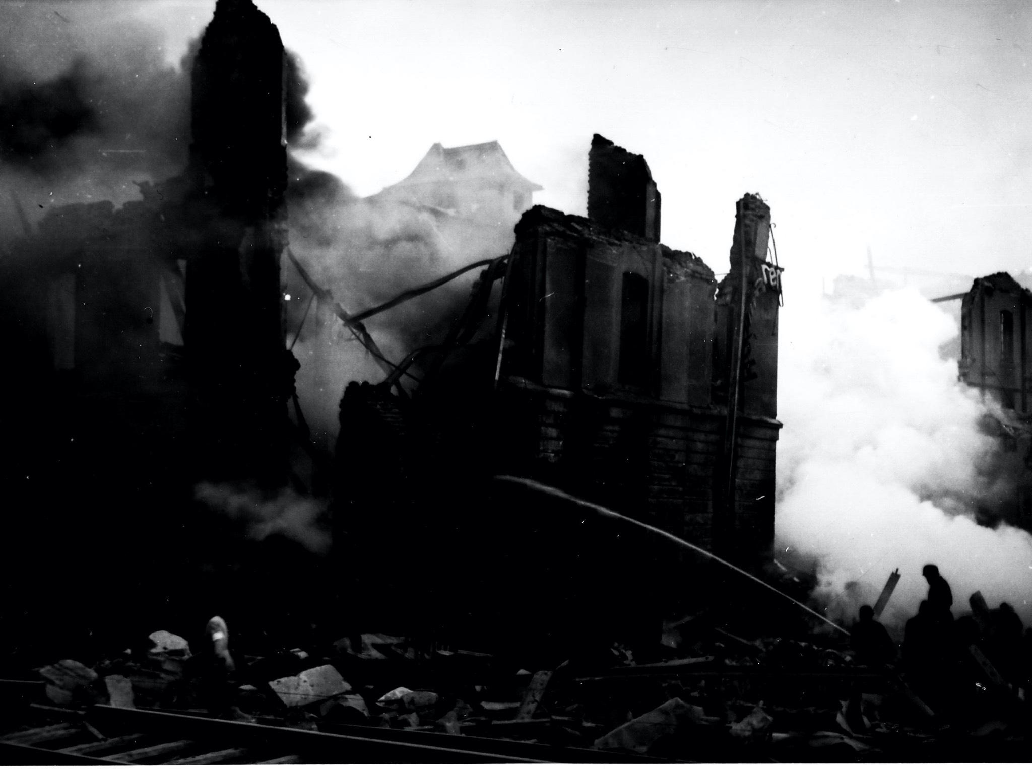 Die Bombardierung Ansbach 1945: Die zerstörte Firma Schmetzer. Foto: Stadtarchiv Ansbach