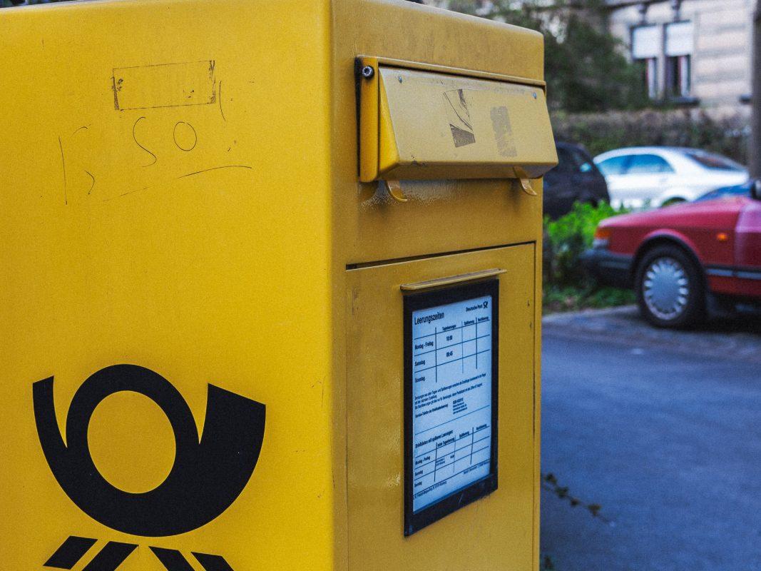 Briefkasten der Deutschen Post. Foto: Pascal Höfig