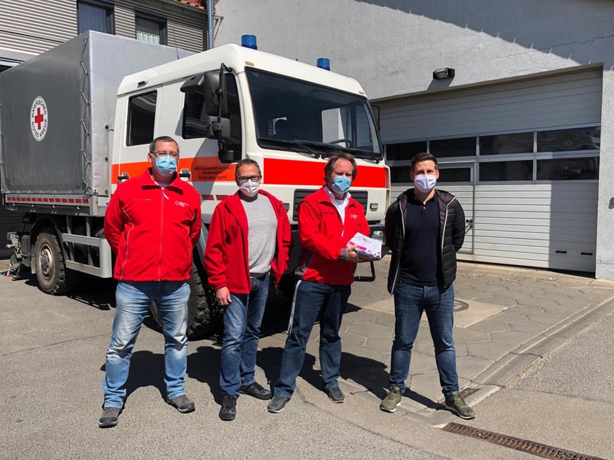 """Das Bayerische Rote Kreuz in Ansbach hat ebenfalls Gutscheine und ein dickes """"Dankeschön"""" bekommen. Foto: Rotaract-Club Ansbach"""