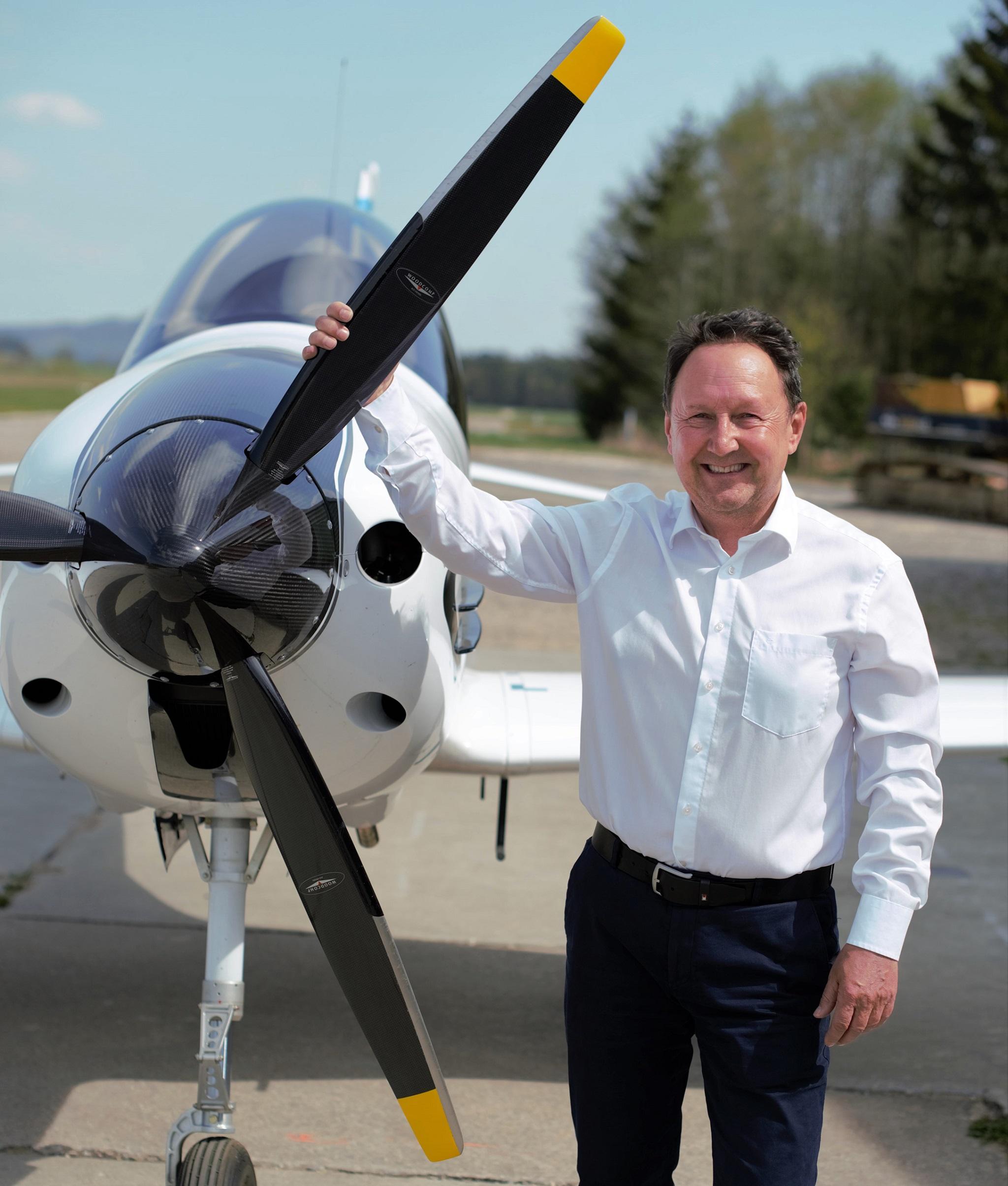 CEO Klaus Schlicker stellt seine Geschäftsidee vor. Foto: FlyNowE