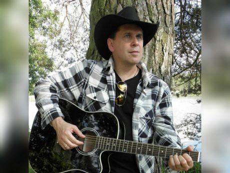 """Musiker, Sammy West, schrieb den Song """"Du mei Ansbach"""" Foto: Sammy West/ Facebook"""