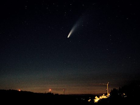"""Überall in der Welt kann man zurzeit den Kometen """"Neowise"""" beobachten. Foto: André Elvers"""