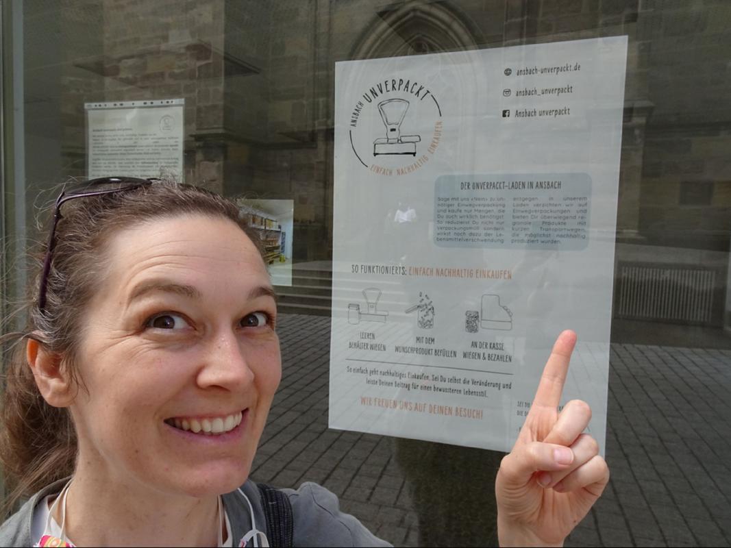 """Sarah Robinson steht kurz vor der Eröffnung des """"Unverpackt-Ladens"""" in Ansbach. Foto: Sarah Robinson"""