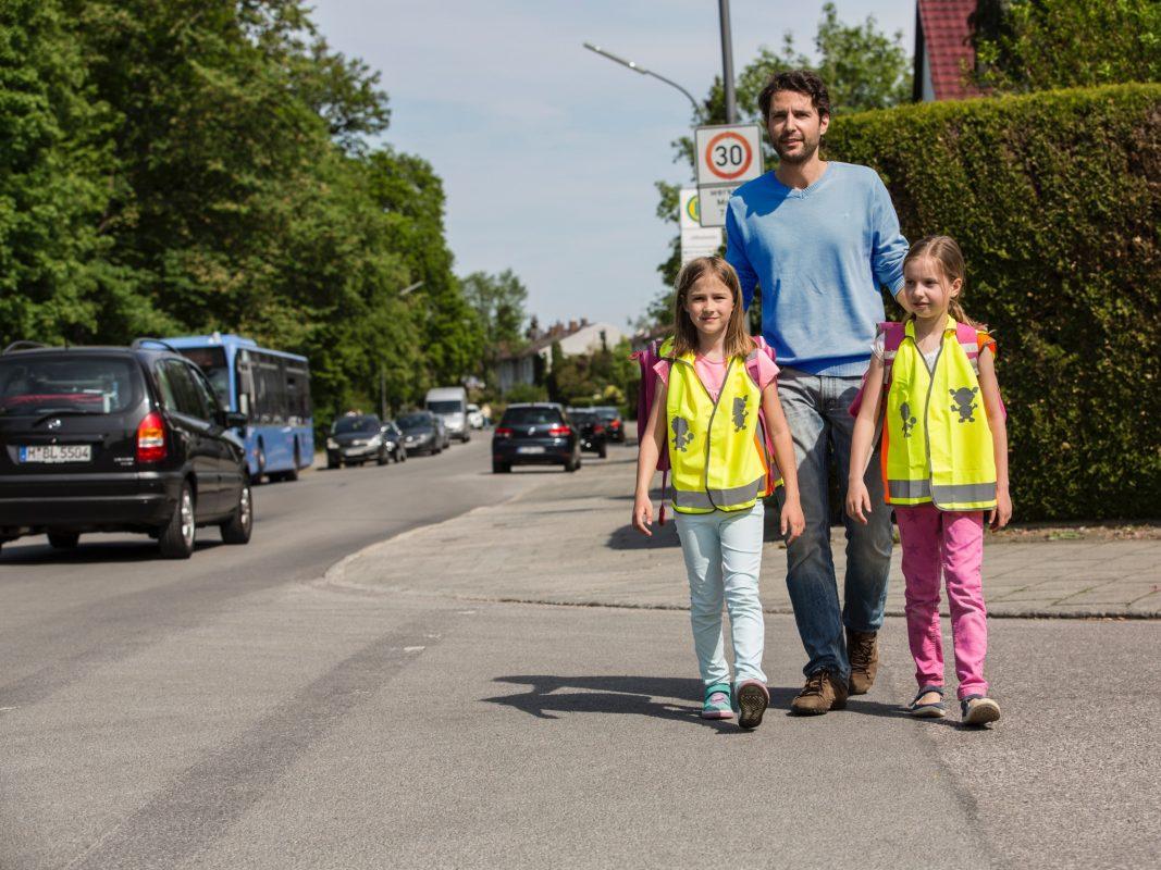 Eltern sollten den Schulweg mit den ABC-Schützen einüben. Foto: ADAC/Stefanie Aumiller