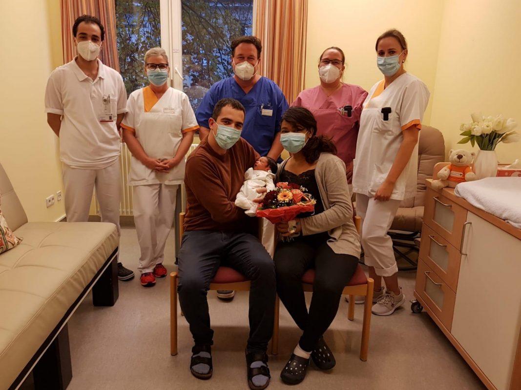 Lara ist das 500. Baby an der Klinik Rothenburg. Foto: ANregiomed / Maximilian Jahrsetz