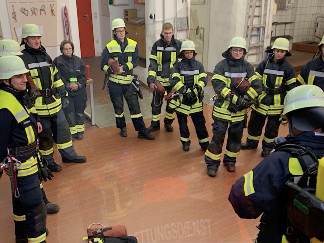 Feuerwehr Ansbach dreht Mutmach-Video. Foto: Screenshot Video Feuerwehr Ansbach