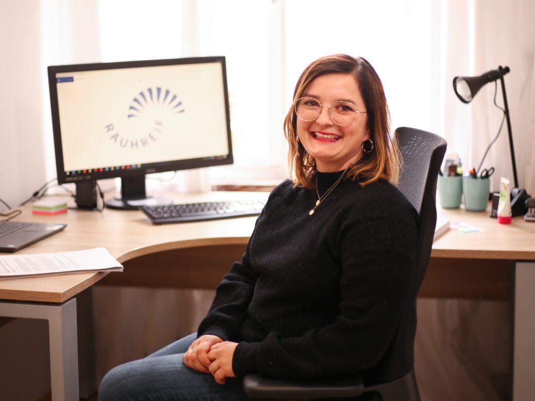 Daniela Rajewitz ist eine Beraterin des Vereins. Foto: Rauhreif e.V.