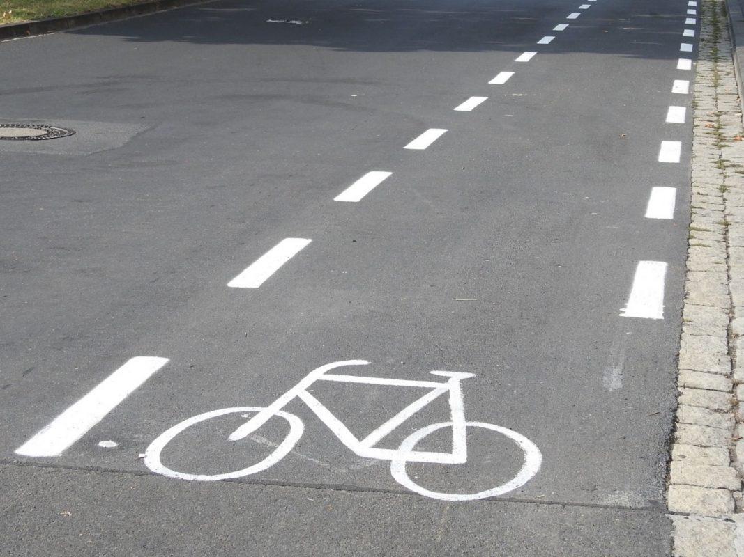 Ein Fahrradschutzstreifen. Symbolfoto: Dirk Flieger