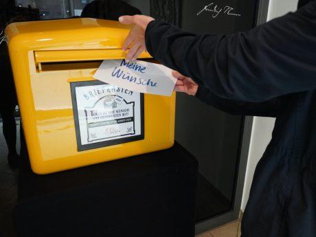 Der Wünsche-Briefkasten in Ansbach. Foto: Stadt Ansbach/Victoria Giralt